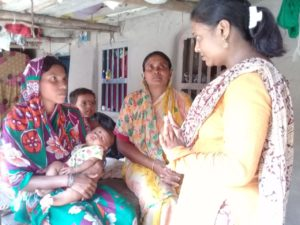 CINI Member counselling mother & child